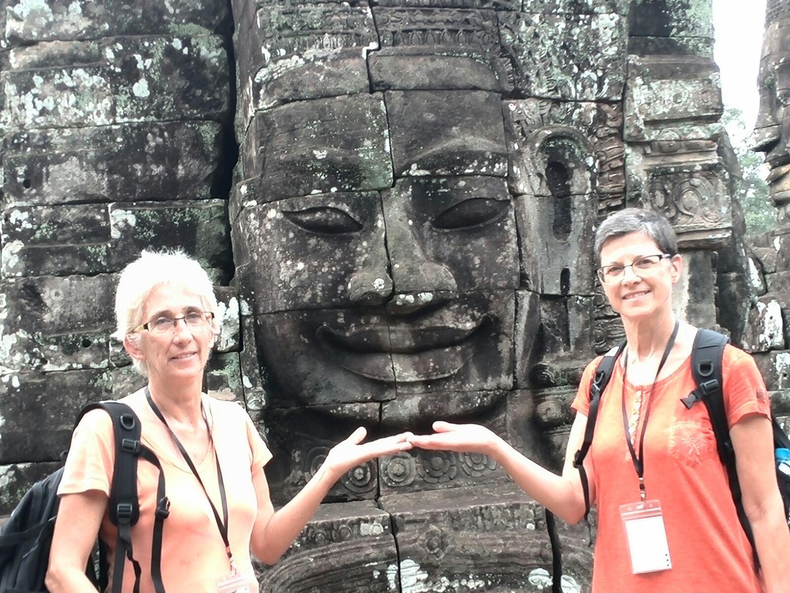 Eulogia y Carmen de viaje en Camboya