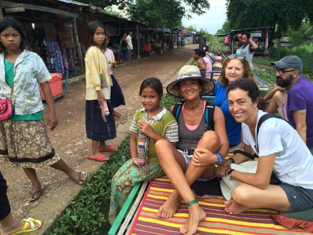 Gustavo, Macu, Dami Y carmen estuvieron en Camboya
