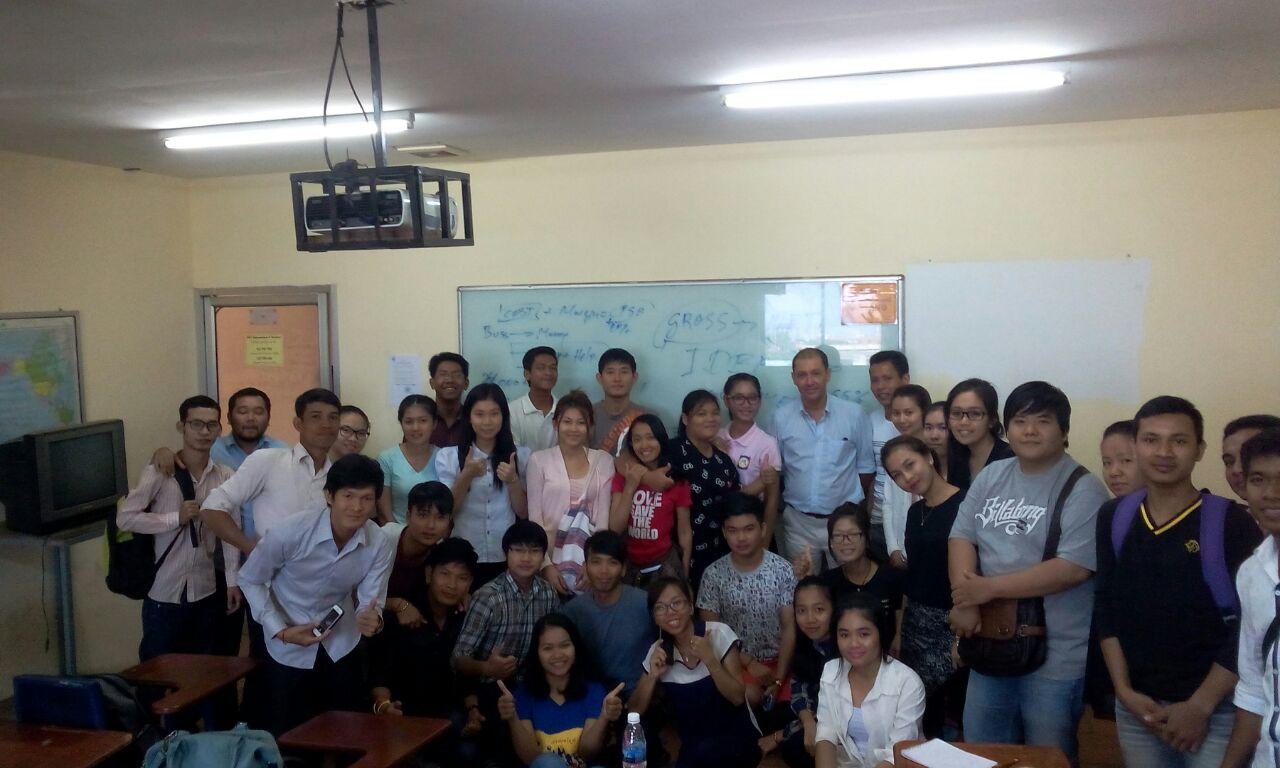 Camboya Increíble en la Universidad de Phnom Penh