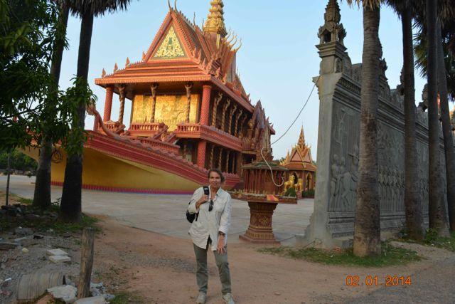 Carmen en su viaje a Camboya