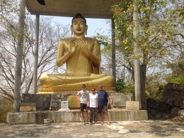 Gloria, Carlos y Ferran en Camboya