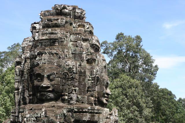 Pedro y familia en Camboya