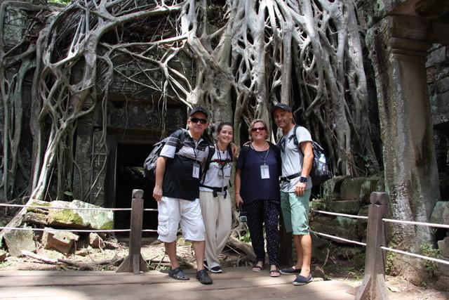 María, David, chechu y Yolanda en Camboya