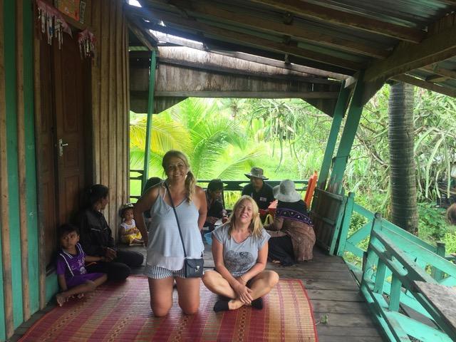 Toñy y Carmen, su viaje a Camboya