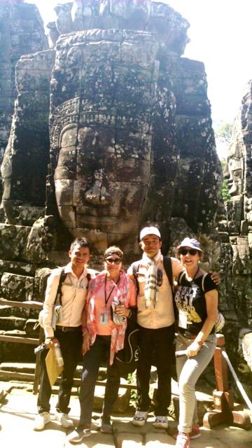 Magdalena y Angela en Camboya