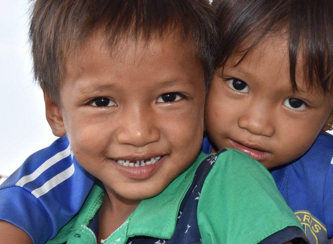 un viaje a una Camboya Increíble. Niños
