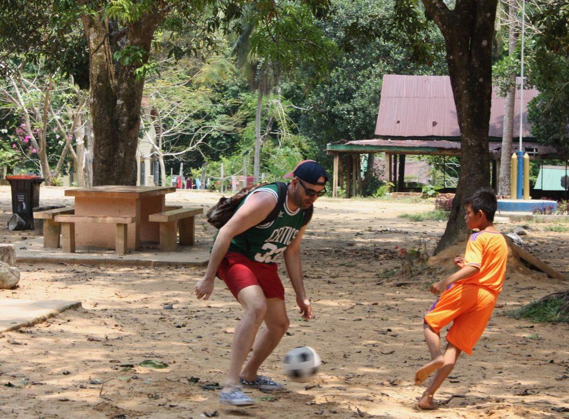 ENMA Y IAGO EN CAMBOYA