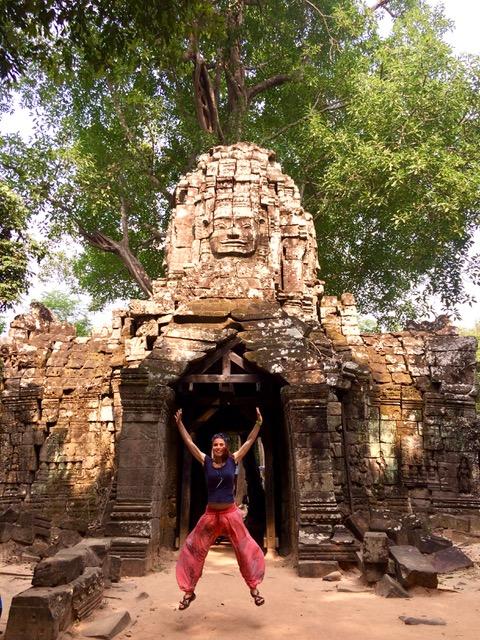 Mariana y Laura en Camboya