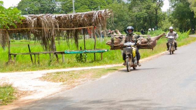 Merce, Jordi y Marc en Camboya