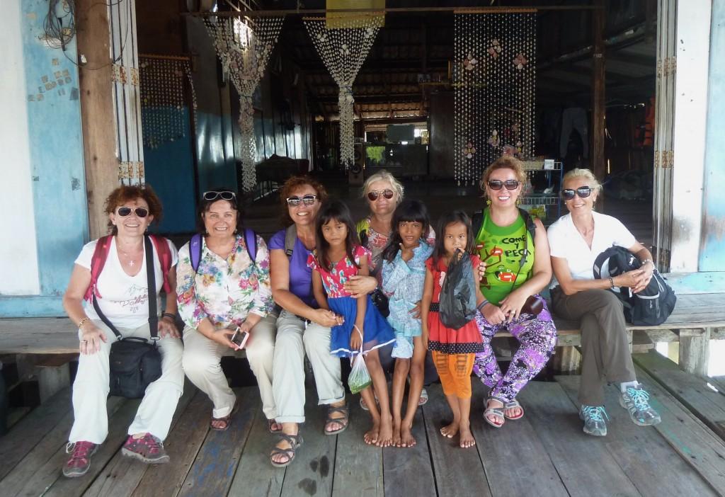 Grupo Antonia en Camboya