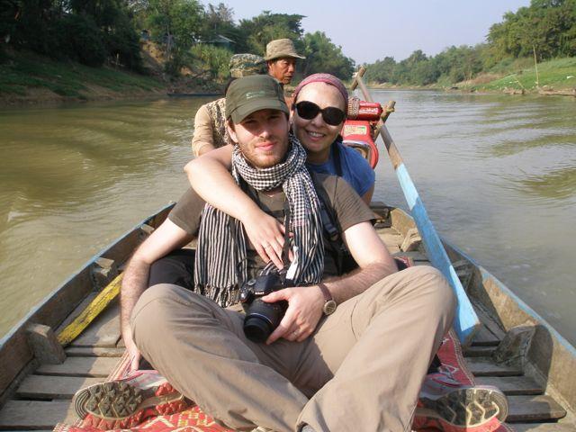 César y Liliana en su viaje a Camboya