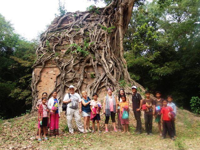 Miriam y su familia en Camboya
