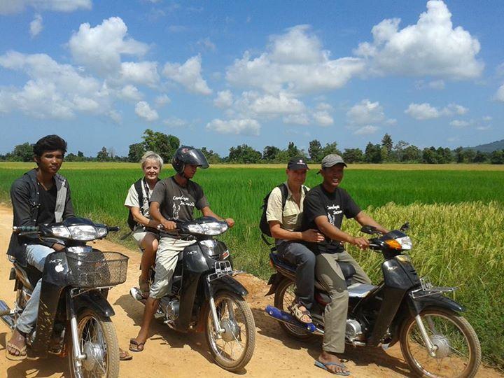 Josu y Begoña en su viaje a Camboya