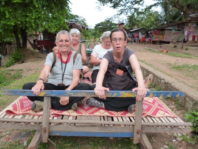Lourdes, Berta, Carmen y Rosa en su viaje por Camboya