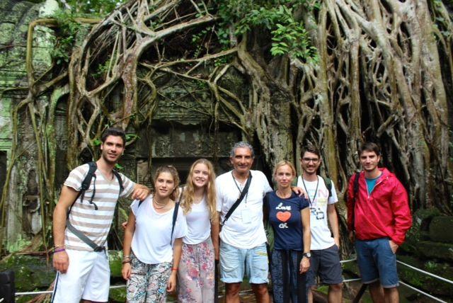 Manel y su familia en Camboya, Angkor