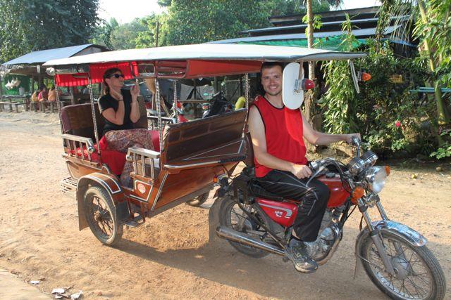 Paloma y Javi en su viaje a Camboya