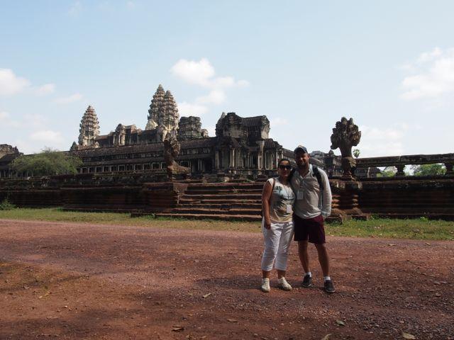 Victor y Vicky en su viaje a Camboya