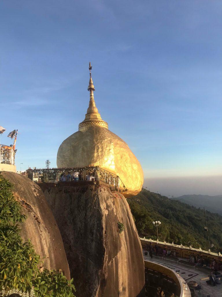 Golden Rock, Birmania