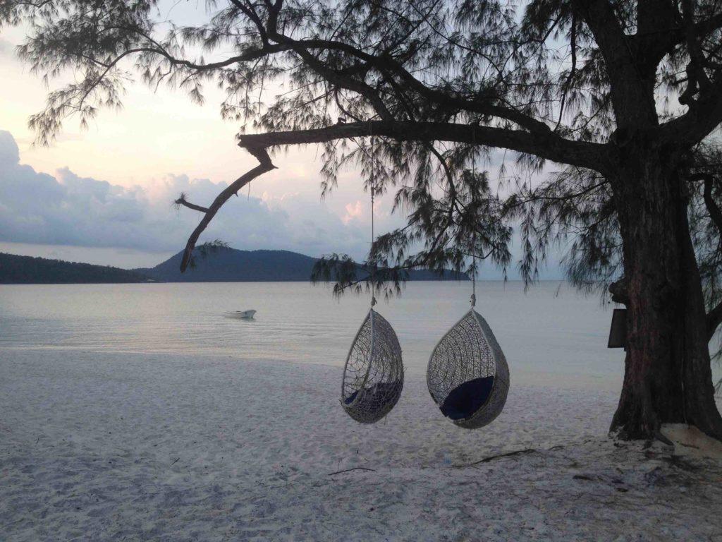 columpio, Playas en Camboya