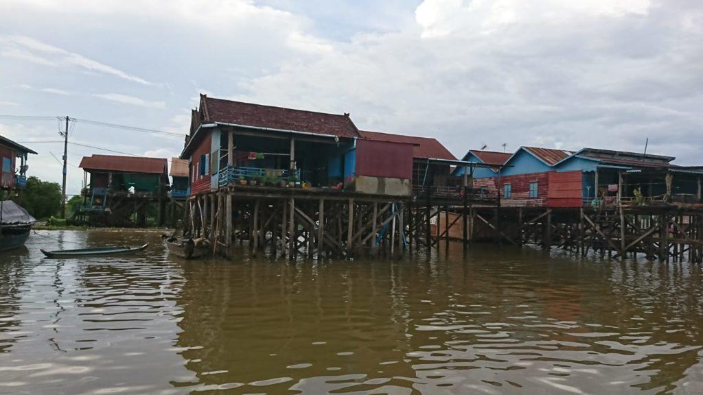 Camboya, Aldea flotante