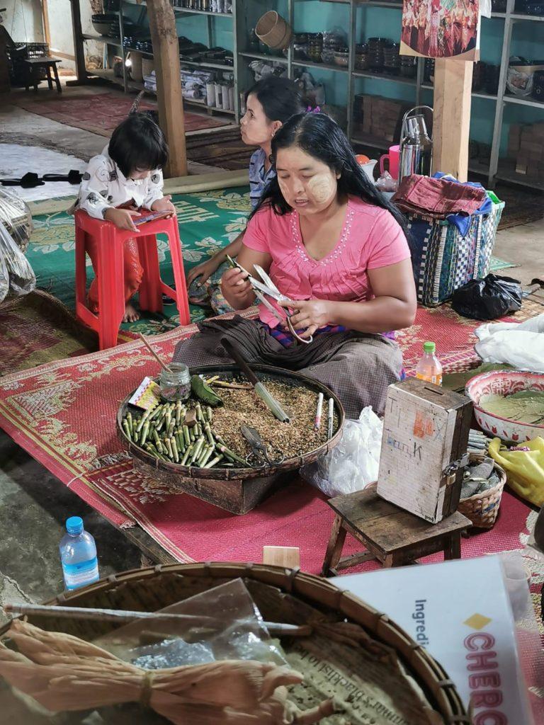 Beatriz y Eva Viaje a Birmania