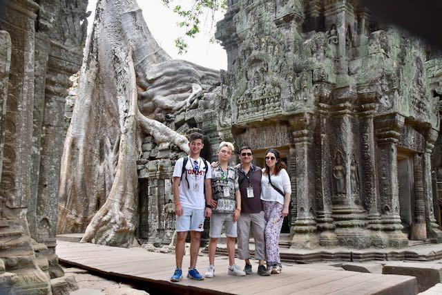 Toda la familia en Angkor