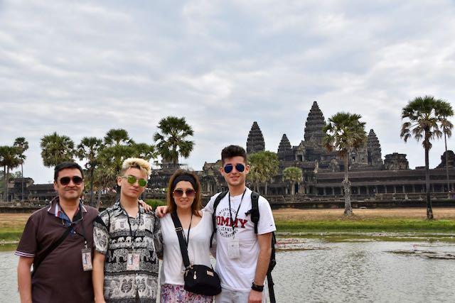 Marc y Familia en los templos de Angkor