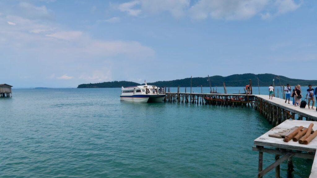 Embarcadero en Camboya