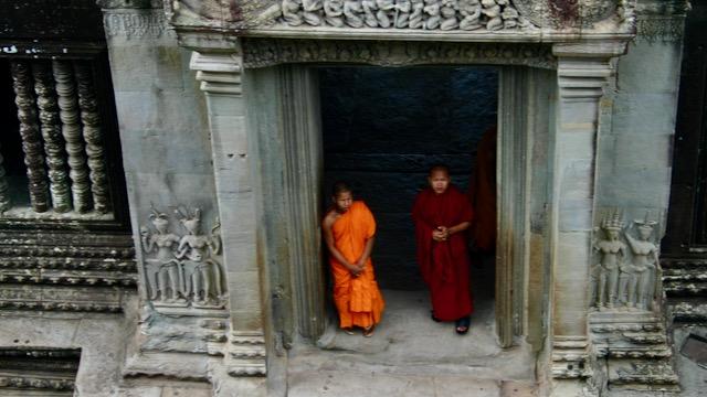 Monjes en los templos de Angkor