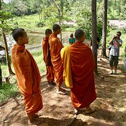 Interacción con la población en Camboya