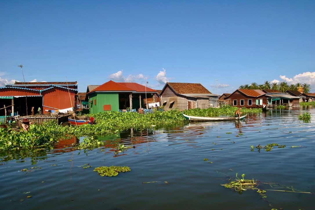 Aldea flotante en Camboya, viajes sostenibles