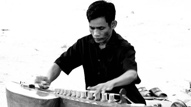 Musica en viajes diferentes en Camboya